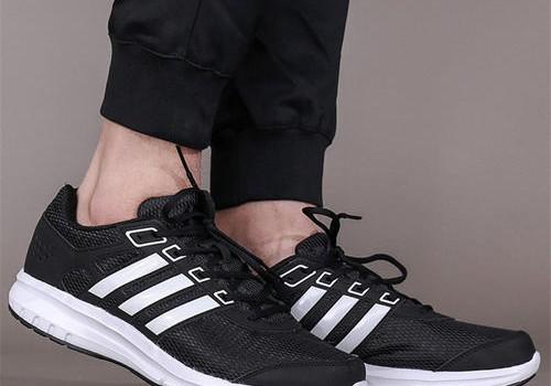 阿迪达斯鞋子辨别真假